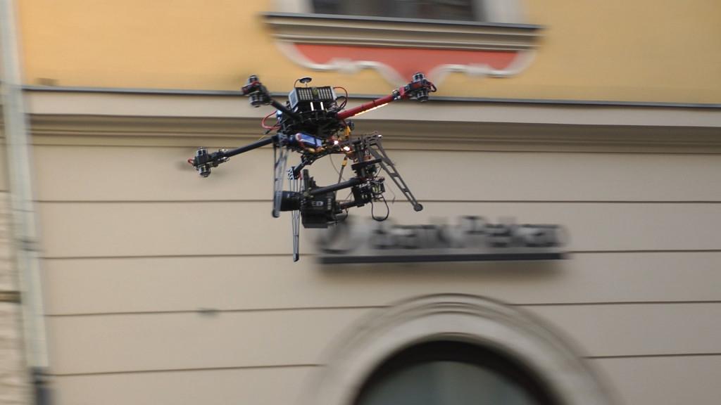 Octocopter dron z kamerą RED do ujęć FILMOWYCH z lotu ptaka - opcja dla najbardziej wymagających